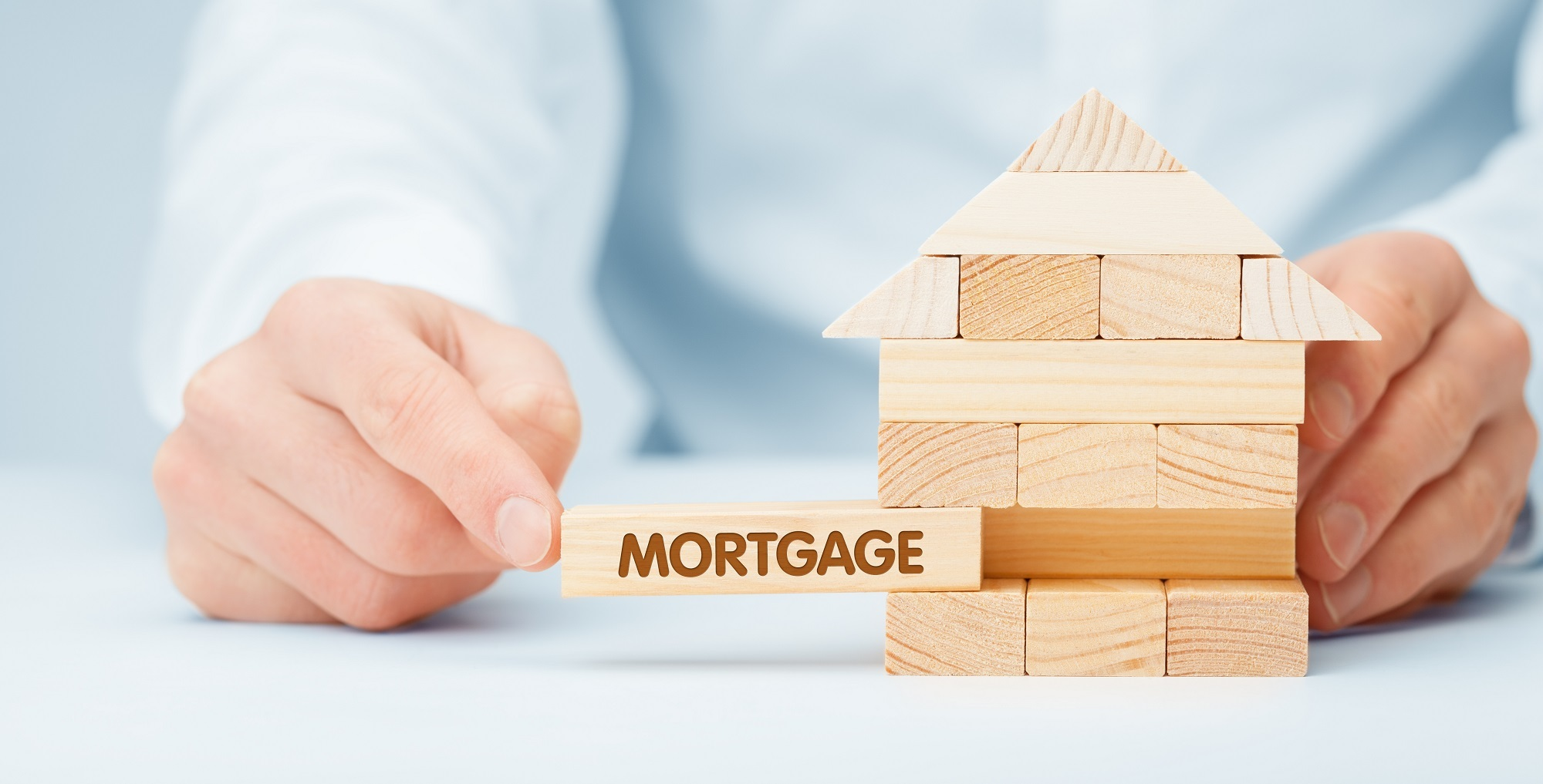 Selling your house when you have a mortgage: What to expect