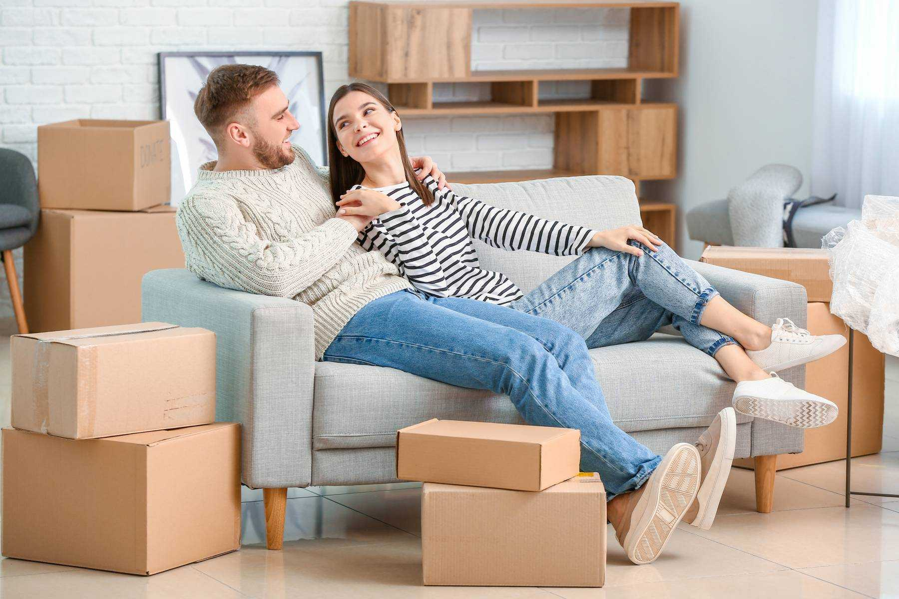 Moving In Together Checklist: 7 Things to Do Beforehand